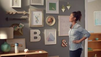 Command Picture Hanging Strips TV Spot, 'Picture Wall' Feat. Tim Gunn - Thumbnail 7