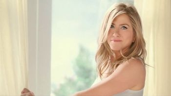 Aveeno Positively Radiant TV Spot, 'Get Your Glow On' Ft. Jennifer Aniston - 2685 commercial airings