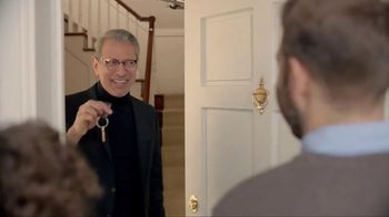 Apartments.com TV Spot, 'Unwelcome Mats' Featuring Jeff Goldblum - Thumbnail 8