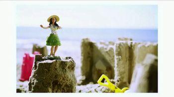 ARCO Top Tier TV Spot, 'Hanna Hits the Beach' - Thumbnail 4