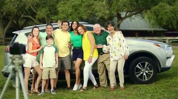 Zyrtec TV Spot, 'Univision: fotos' con Francisca Lachapel [Spanish] - Thumbnail 7