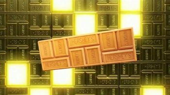 Hershey's Gold TV Spot, 'Strike Gold' Song by Bruno Mars - Thumbnail 7