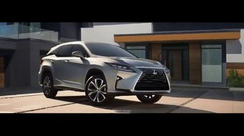 Lexus TV Spot, 'The World Is Your Oyster' [T1] - Thumbnail 1