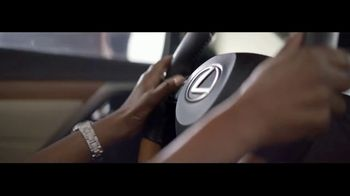 Lexus TV Spot, 'The World Is Your Oyster' [T1] - Thumbnail 7