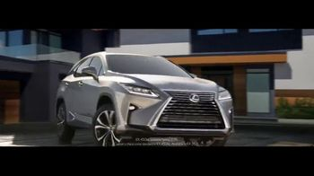 Lexus TV Spot, 'The World Is Your Oyster' [T1] - Thumbnail 8