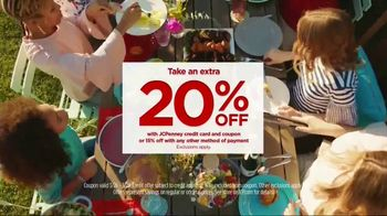 JCPenney TV Spot, 'Spring Style' Song by Redbone - Thumbnail 8