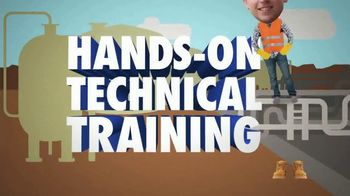Chevron TV Spot, 'Hands-on Training for Today's Doin'' - Thumbnail 7