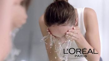 L'Oreal Paris Pure Sugar Scrubs TV Spot, 'Baby Soft Skin' - Thumbnail 8