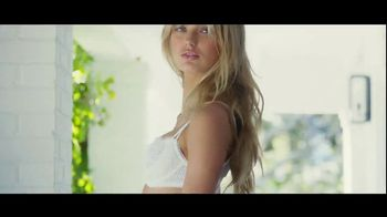 Victoria's Secret Dream Angels Collection TV Spot, 'Lace' Song by MOONZz - Thumbnail 9