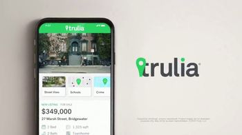 Trulia TV Spot, 'Discover a Place You'll Love to Live: Dog Walker Dana' - Thumbnail 7