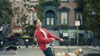 Trulia TV Spot, 'Discover a Place You'll Love to Live: Dog Walker Dana' - Thumbnail 6