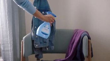 Febreze FABRIC Refresher Extra Strength TV Spot, 'Still Stuffy' - Thumbnail 9
