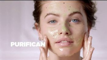 L'Oreal Paris Pure-Sugar Scrubs TV Spot, 'Ilumina' [Spanish] - Thumbnail 8