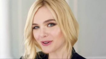 L'Oreal Paris Lumi Glotion TV Spot, 'Woke Up Like This' Feat. Elle Fanning - Thumbnail 8