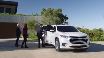 2018 Chevrolet Traverse TV Spot, 'Family Reunion: Driveway' [T1] - Thumbnail 5