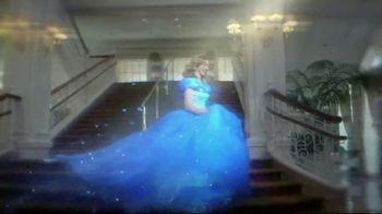 Walt Disney World Resort TV Spot, 'Magic All Around: Holiday Room' - Thumbnail 2