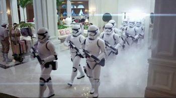 Walt Disney World Resort TV Spot, 'Magic All Around: Holiday Room' - Thumbnail 4