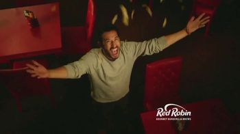 Red Robin $6.99 Tavern Lineup TV Spot, 'Down to Hang out' - Thumbnail 6