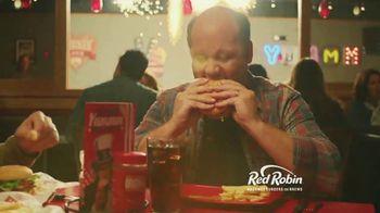 Red Robin $6.99 Tavern Lineup TV Spot, 'Down to Hang out' - Thumbnail 7