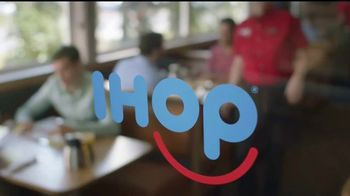 IHOP French-Toasted Donuts TV Spot, '¡Las cejas hablan!' [Spanish] - Thumbnail 1