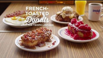 IHOP French-Toasted Donuts TV Spot, '¡Las cejas hablan!' [Spanish] - Thumbnail 10