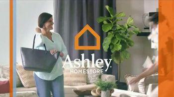 Ashley HomeStore Big Event TV Spot, 'Plush Hybrid Mattresses' - Thumbnail 1