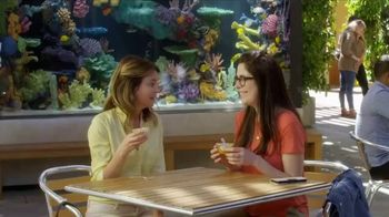 Dole Fruit Bowls TV Spot, 'Aquarium' - Thumbnail 1
