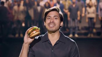 McDonald's Signature Sriracha Sandwich TV Spot, 'Subir de nivel' [Spanish] - Thumbnail 4