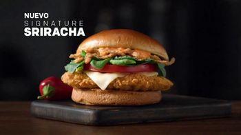 McDonald's Signature Sriracha Sandwich TV Spot, 'Salsa cremosa' [Spanish] - Thumbnail 2