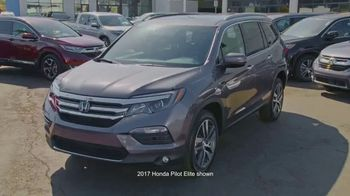 2017 Honda CR-V TV Spot, 'HGTV: The Hunt Begins' [T1] - Thumbnail 9
