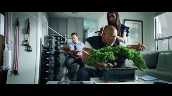 Apple iPhone 7 TV Spot, 'La Roca x Siri conquistan el día' [Spanish] - 40 commercial airings
