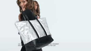 Victoria's Secret TV Spot, 'Weekender Bag Gifts' Song by Ofenbach - Thumbnail 2