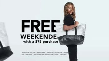 Victoria's Secret TV Spot, 'Weekender Bag Gifts' Song by Ofenbach - Thumbnail 3