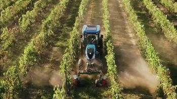 New Holland Red, White and Blue Summer Event TV Spot, 'Specialty Tractors' - Thumbnail 3