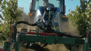 New Holland Red, White and Blue Summer Event TV Spot, 'Specialty Tractors' - Thumbnail 7