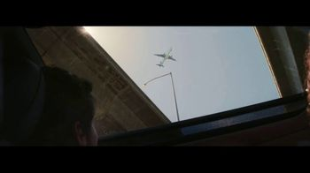 2017 Jeep Compass TV Spot, 'Missed Flight' - Thumbnail 4