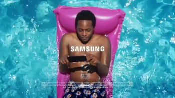 Samsung Galaxy S8 TV Spot, 'Summer: Pool Day' - Thumbnail 10