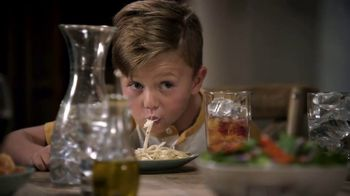 Olive Garden Buy One Take One TV Spot, 'Family Time' - Thumbnail 9