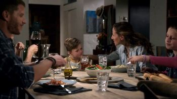 Olive Garden Buy One Take One TV Spot, 'Family Time' - Thumbnail 6