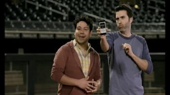T-Mobile TV Spot, 'Salida al campo' con Nelson Cruz [Spanish] - Thumbnail 6