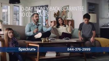 Spectrum TV Spot, 'Stay Connected' to it All - Thumbnail 6