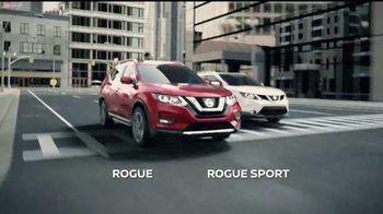 Nissan La Línea del Ahorro TV Spot, 'La familia Rogue' [Spanish] [T2] - Thumbnail 7
