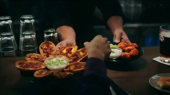 TGI Friday's Endless Apps TV Spot, 'Bacon Nachos and Chicken Quesadillas' - Thumbnail 2
