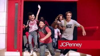 JCPenney TV Spot, 'Feminine Tops' - Thumbnail 2