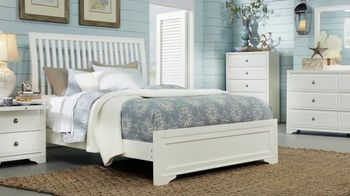 Rooms to Go Summer Sale and Clearance TV Spot, 'Five Piece Bedroom' - Thumbnail 4