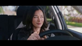 Nissan TV Spot, 'Edición Midnight: 2017 Rogue Sport' [Spanish] [T2] - Thumbnail 4