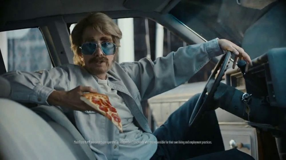 Pizza Hut TV Commercial, 'Oven-Hot Pizza, Fast, Every Time' Feat. Kristen Wiig