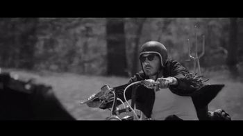 Apple Music TV Spot, 'The Ones That Like Me' Featuring Brantley Gilbert - Thumbnail 4