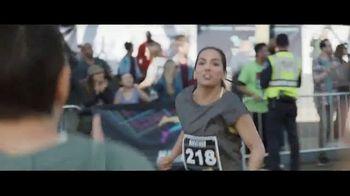 Verizon Unlimited TV Spot, 'Marathon' con Luis Gerardo Méndez [Spanish] - Thumbnail 2