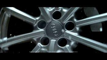 2018 Audi Q5 TV Spot, 'Raindrops' Song by Nataly & Ryan [T2] - Thumbnail 4